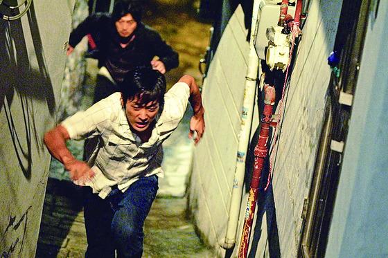 2003~2004년 20명을 연쇄 살인한 유영철의 사건을 다룬 영화 '추격자' [사진 영화 '추격자']