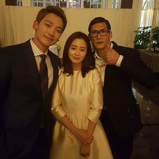 Pictures taken at the wedding. With the couple stands g.o.d's Park Joon-hyung on the far right. Photo from Instagram @godjp