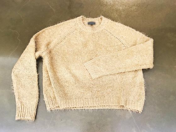 '설마 살이 찐 건 아닐꺼야.' 세탁 후 줄어들거나 짧아진 니트, 옷장에 하나씩은 다 있다.