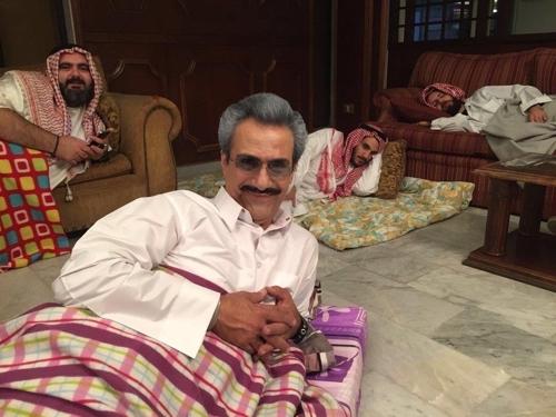 레바논 배우가 사우디 유력 인사들의 특급 호텔 감금을 풍자했다. [사진 트위터]
