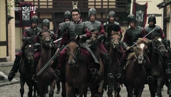 진나라의 군대는 말을 타고 싸우는 기병이 중심이었다. [EBS 다큐 불멸의 진시황]