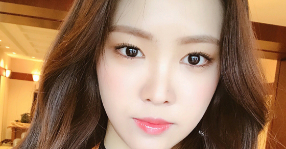 photo from Son Na-eun's instagram.