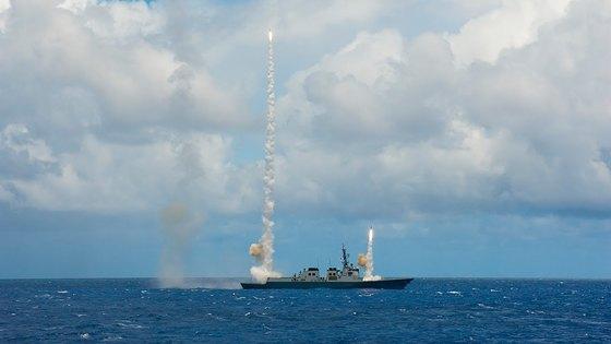 2014년 림팩 훈련에서 서애류성룡함이 함대공 미사일을 발사하고 있다. [사진 국방TV 캠처]