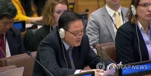 유엔 제3위원회에서 발언하는 자성남 주유엔 북한대사. [연합뉴스]