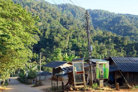 태국 북부 산간 지방의 고산족 마을은 우리네 옛 농촌 마을과 다를 바 없는 모습이었다.