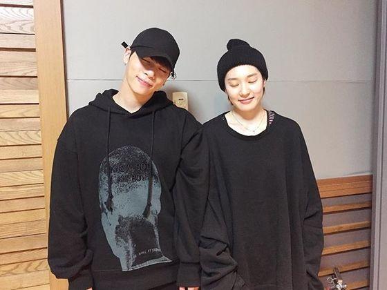 샤이니 종현과 디어클라우드 나인이 함께 찍은 사진. [사진 나인 인스타그램]
