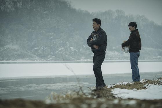 영화'1987'은 서울대생 박종철군 고문치사 사건으로 시작한다. [사진 CJ E&M]
