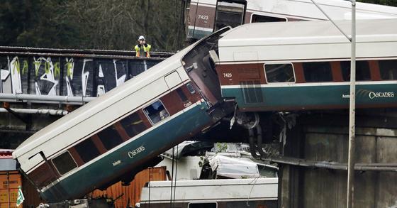 미국 열차탈선 사고. [AP=연합뉴스]