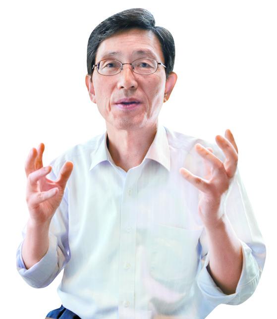 노무현, 문재인 두 대통령의 정책브레인 역할을 한 성경륭 한림대 교수. [박진호 기자]