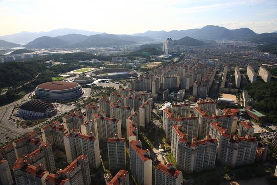 경남 창원시 의창구의 노블파크와 트리비앙 아파트 모습. [사진 경남도]