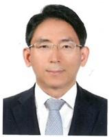 부산시 경제부시장에 발탁된 김기영 일자리경제본부장.