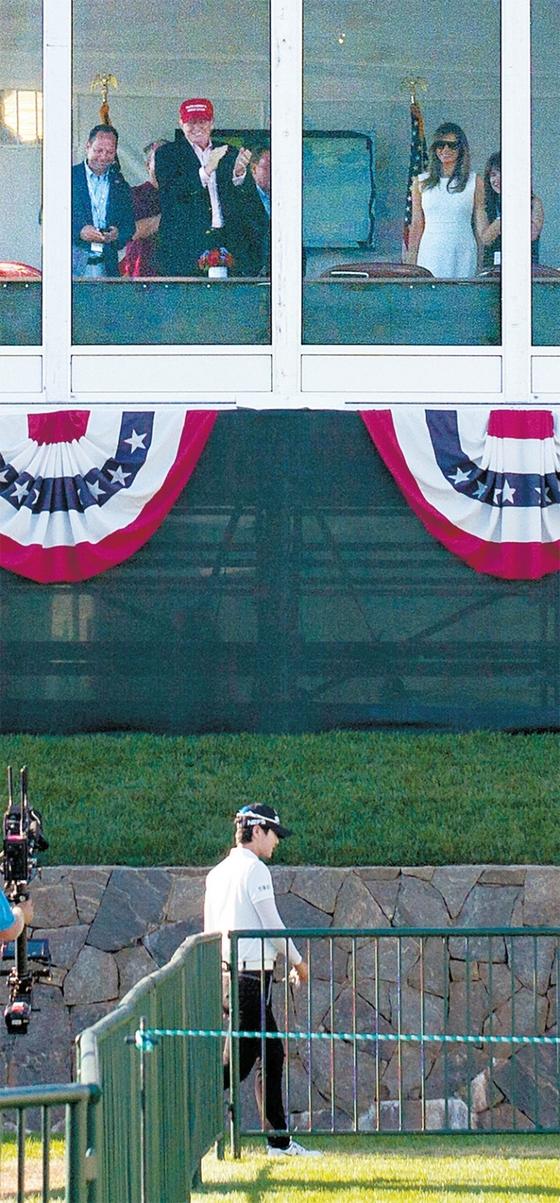 박성현(아래)이 7월 17일(한국시간) 미국여자프로골프 협회(LPGA) 투어 메이저대회인 US여자오픈에서 합계 11언더파로 우승했다. 자신이 소유한 뉴저지주 베드민스터의 트럼프 내셔널 골프장에서 경기를 관람하던 트럼프 미 대통령(위)은 박성현에게 기립 박수를 보냈다. / 사진 : USA투데이