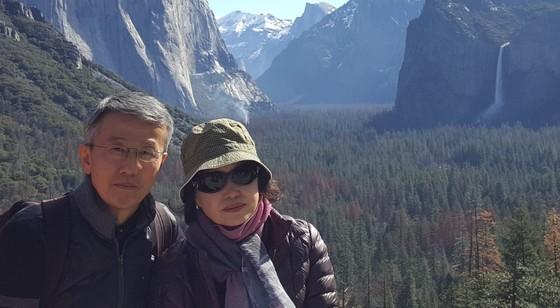 사진 왼쪽부터 김해영 씨(62)와 정난실 씨(58) 부부 [사진 김해영]