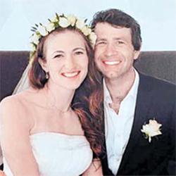 지난해 4월 비에른달렌(오른쪽)과 돔라체바가 공개한 웨딩 사진. [사진 돔라체바 인스타그램]