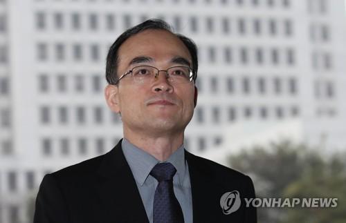 출근하는 문무일 검찰총장 [연합뉴스]