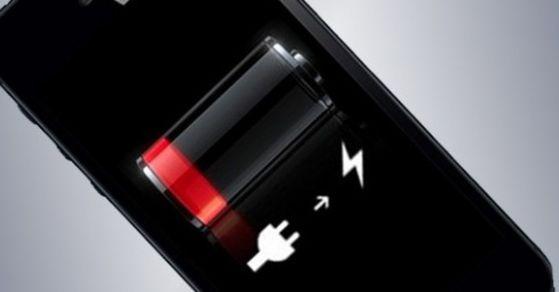 애플은 운영체제인 iOS 업그레이드를 통해 아이폰6 이후 노후기종의 성능을 고의로 떨어뜨렸다는 의혹을 받고 있다. [중앙포토]