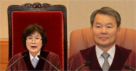 이정미 전 헌법재판관(왼쪽)과 이진성 헌법재판소장. 교체 후 의자는 재판관 머리 밑으로 낮아졌다. [연합뉴스]