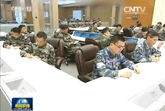 2016년 4월 시진핑(習近平) 중국 국가주석이 처음으로 시찰한 중국 중앙군사위원회 직속 연합작전지휘센터. 시산국가삼림공원 지하 2㎞ 지점에 조성되 핵벙커로도 사용되는 것으로 알려진다. [사진=CC-TV 캡쳐]