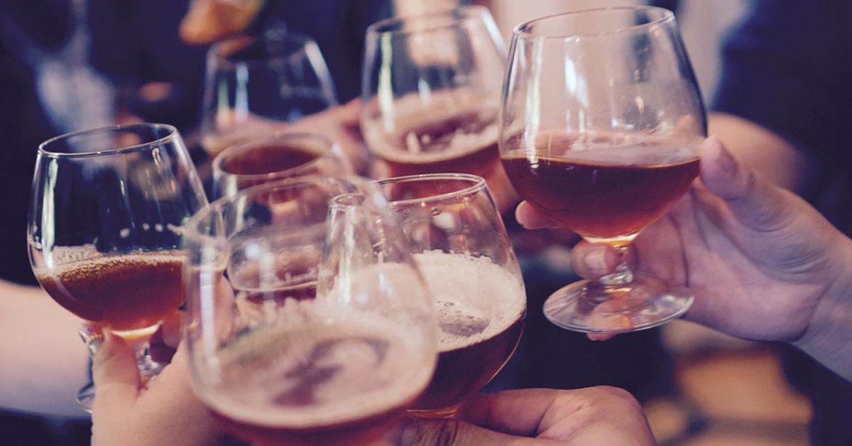 직종에 따라 고위험 음주 가능성이 달라진다. [중앙포토]