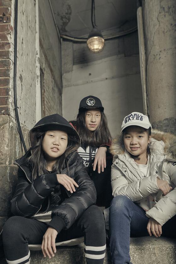 (왼쪽부터)최지혜 (부산 해원초 5) 학생기자, 김채리 (부산 해운대초 5)· 최예나 (부산 해원초 5) 소중 독자