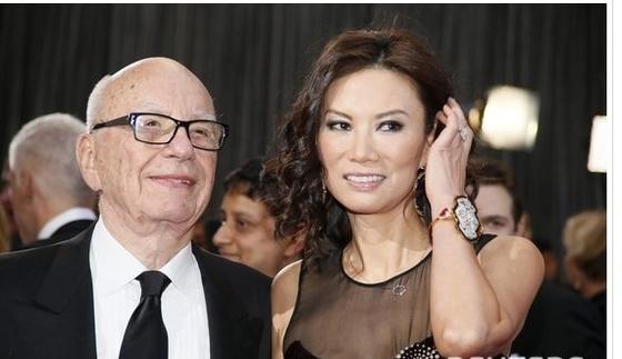 웬디 덩(오른쪽)과 루퍼트 머독. 두 사람은 2013년 이혼했다. [중앙포토]