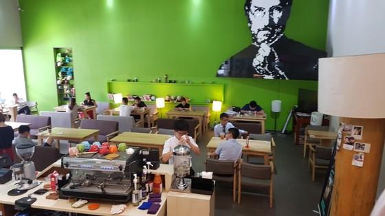 유명한 카페 프랜차이즈 가맹점 창업비용은 평균 1억400만원이 소요되었다. 여기에 점포 임대료와 권리금까지 더해보니 창업비용이 너무나 부담됐다. (내용과 연관없는 사진) [중앙포토]