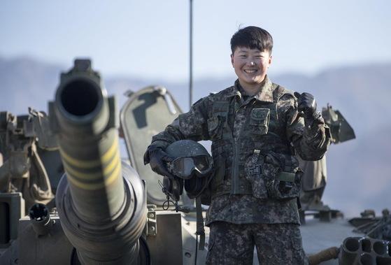 육군 수도기계화보병사단 한신대대는 경기도 포천 일대 훈련장에서 지난 15일부터 4박 5일간의 일정으로 혹한기 훈련에 참가한 임현진 하사.[육군 제공]