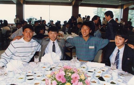 지난 1991년, 제6회 세계청소년축구대회 남북 단일팀 환영식 당시 코리아팀 선수들. [중앙포토]