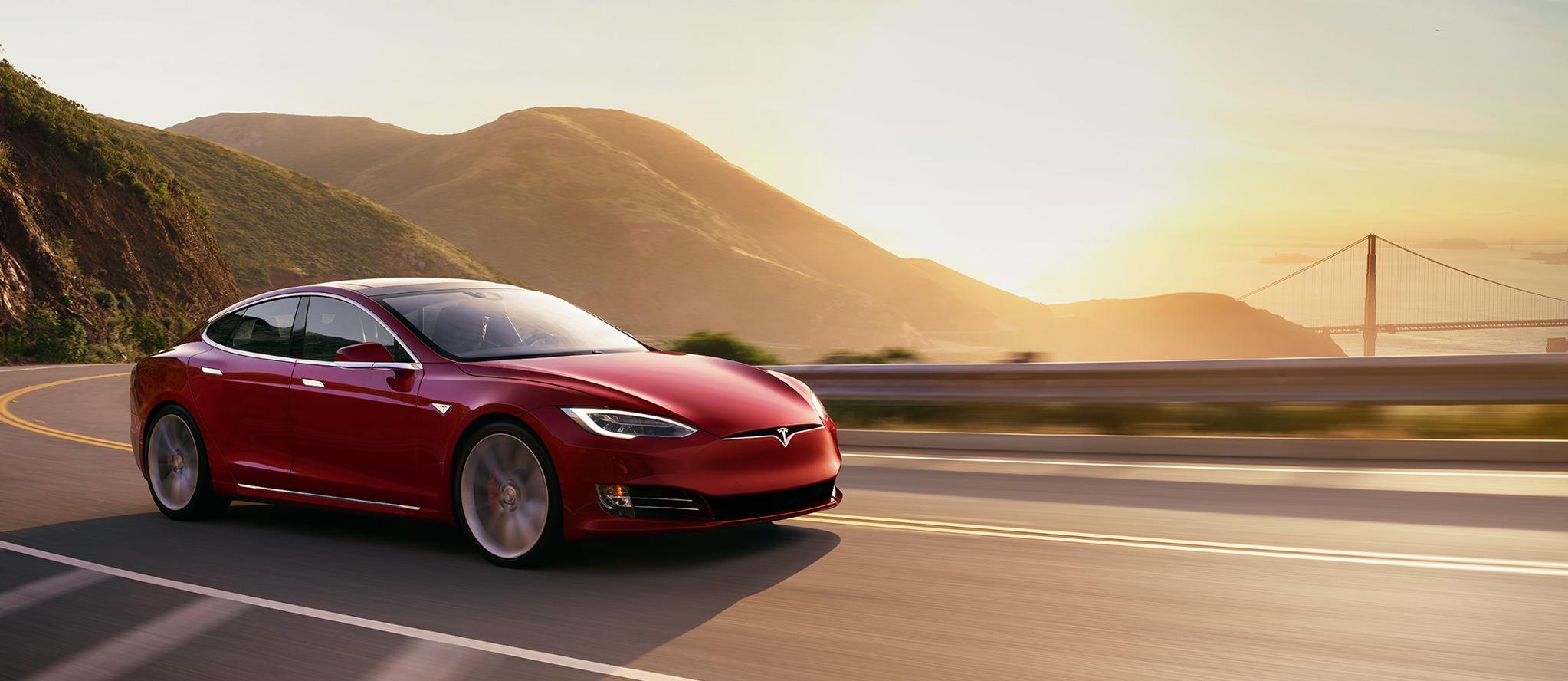 올해부터는 전기차의 성능에 따라 국고보조금이 차등 지급된다. 사진은 테슬라 모델S 90D [사진 테슬라모터스]