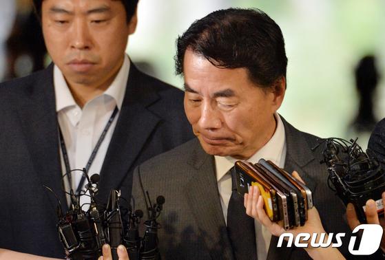운전자 갑질 논란을 빚은 이장한 종근당 회장. [News1]