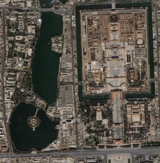 중국 정치의 핵심부인 베이징 중난하이의 위성 촬영 사진. 미 중앙정보국(CIA)은 중국 수뇌부의 생각을 읽기 위해 수많은 현지 정보원을 운영하고 있는 것으로 알려졌다. [중앙포토]