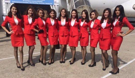 에어 아시아 여성 승무원들 [사진 에어아시아 인스타그램]