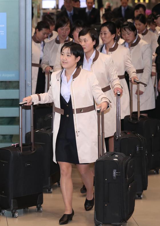 지난해 4월 세계선수권 참가차 입국한 북한 여자 아이스하키팀 선수들. 전민규 기자
