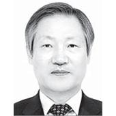 권용수 전 국방대 교수