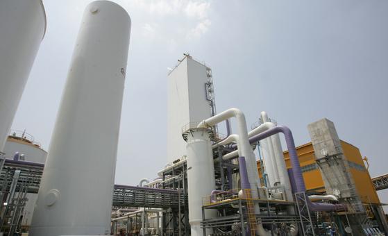 25일 근로자 4명이 유독가스에 질식한 사고가 난 포항제철소 산소공장. [포스코 제공=연합뉴스]
