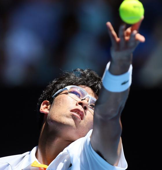 한국 테니스의 새로운 영웅 정현(22·한국체대)이 25일 오후 5시30분(한국시각) '테니스 황제'로 불리는 로저 페더러(37·스위스)와 호주오픈 준결승전을 치른다. [멜버른 신화=연합뉴스]