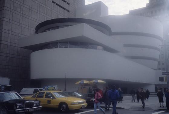 미국 뉴욕 구겐하임 미술관 전경. [중앙포토]