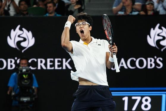 한국 선수로는 처음으로 호주 오픈 테니스대회 4강전에 진출한 정현 선수. [사진 라코스테]