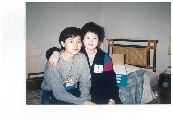 1991년 남북 단일팀 당시 현정화(왼쪽)-이분희. [사진 현정화]