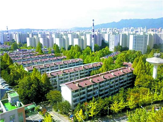재건축 연한 30년을 충족한 서울 노원구 상계 주공아파트 단지