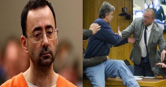 자신의 세 딸을 성추행한 미 체조대표팀 주치의 래리 나사르(왼쪽)를 향한 분노를 참지 못하고 법정에서 그를 공격한 랜덜 마그레이브스(오른쪽). [중앙포토, AP]
