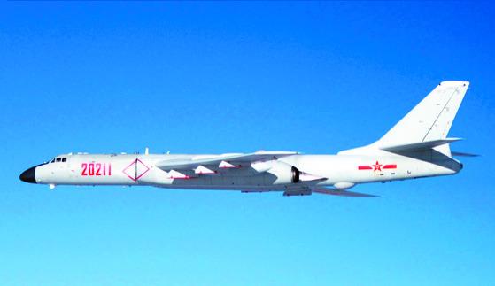 중국의 폭격기 H-6 [중앙포토]