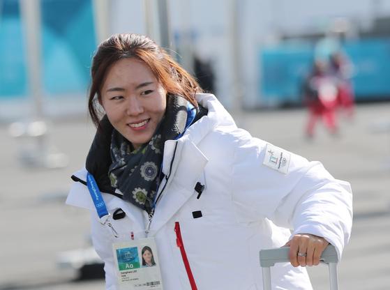 올림픽 3연패를 노리는 한국 여자 스피드 스케이팅 대표 이상화가 선수촌에 입촌했다. [강릉=연합뉴스]