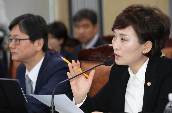김현미 국토교통부 장관은 지난해 10월 국정감사에서 후분양 도입을 검토하겠다고 밝혔다.