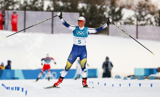 평창 겨울올림픽 대회 첫 금메달을 딴 스웨덴 크로스컨트리 선수 샬롯테 칼라. [AP=연합뉴스]