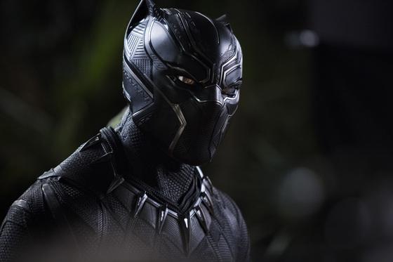 마블 히어로 영화의 새로운 주인공 블랙 팬서는 아프리카와 흑인에 대한 통념을 뒤집는 혁신적인 캐릭터다. [사진 월트 디즈니 컴퍼니 코리아]