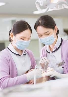 부산여대는 여성 친화적인 휴먼케어서비스 산업 의 전문 인 양성에 주력하고 있다.