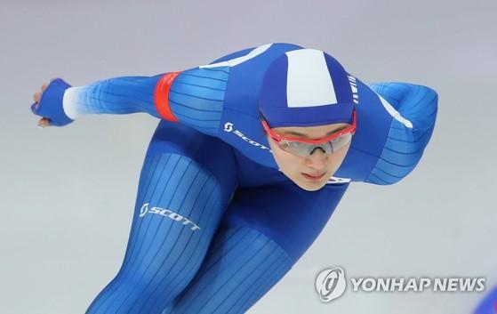 14일 오후 강릉스피드스케이팅경기장에서 열린 스피드스케이팅 여자 1000m 경기에 출전한 박승희가 레이스를 펼치고 있다. [연합뉴스]
