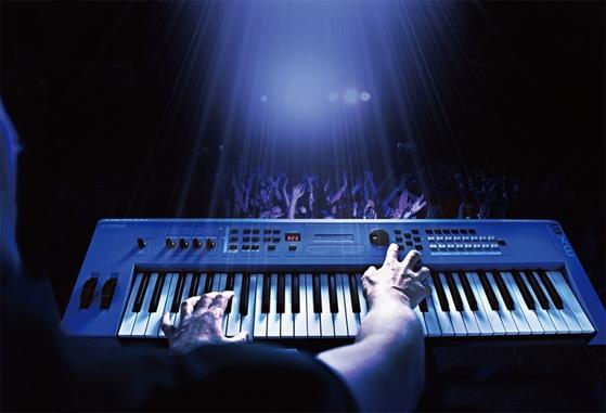 음악과 과학의 경계는 사라졌다. 오늘날 소리 합성 악기인 신디사이저 기능은 다양한 형태로 우리 삶에 들어왔다. / 사진:YAMAHA 제공
