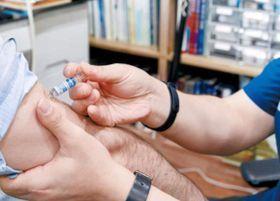 독감 예방접종은 매년 10~11월에 받는 게 좋다. [중앙포토]